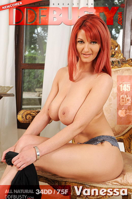 Vanessa - `Hooters and Hairpie!` - for DDFBUSTY