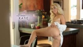 Katie from DIGITALDESIRE