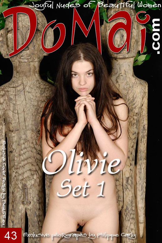 Olivie - `Set 1` - by Philippe Carly for DOMAI