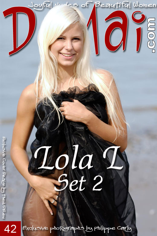 Lola L - `Set 2` - by Philippe Carly for DOMAI