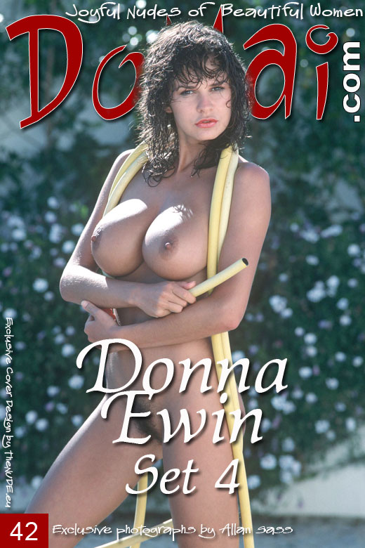 Donna Ewin - `Set 4` - by Allan Sass for DOMAI