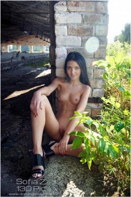 Sofia Z  from DOMINGOVIEW