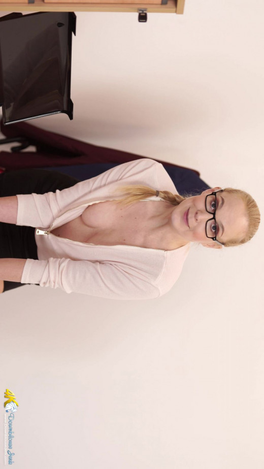 Ariel Anderssen in Terms And Conditions gallery from DOWNBLOUSEJERK