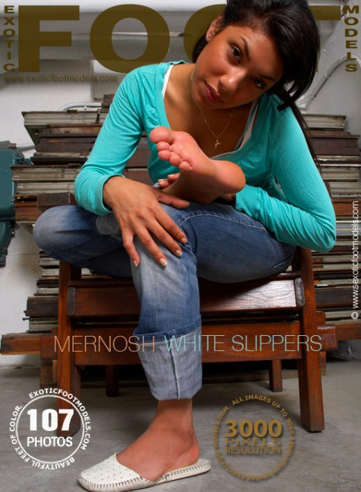 Mernosh - `White Slippers` - for EXOTICFOOTMODELS