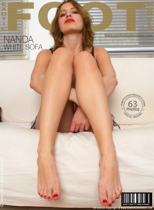 Nanda - `White Sofa` - for EXOTICFOOTMODELS