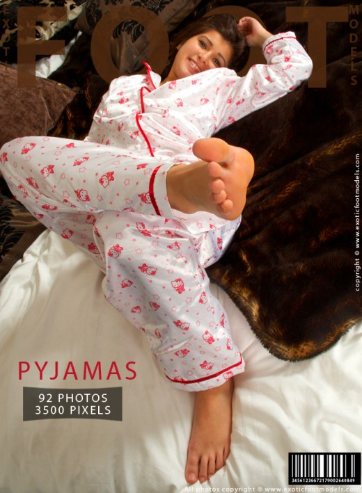 Isabelle - `Pyjamas` - for EXOTICFOOTMODELS