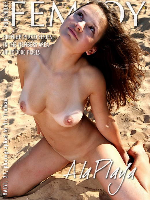 Malvi - `A La Playa` - by Vic Truman for FEMJOY ARCHIVES