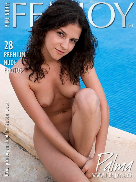 Eva - `Palma` - by Guido Beer for FEMJOY ARCHIVES