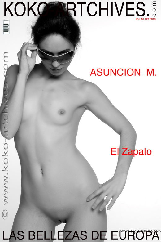 Asuncion M - `El Zapato` - by Kote Cabezudo for KOKO ARCHIVES