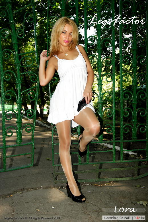 Lora - `In Glossy Kunert Satin` - for LEGSFACTOR