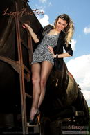 In Levante Amore Back Seam Posing At Railways