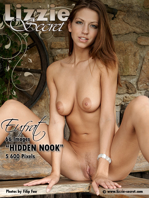 Eufrat - `Hidden Nook` - by Filip Fau for LIZZIE-SECRET
