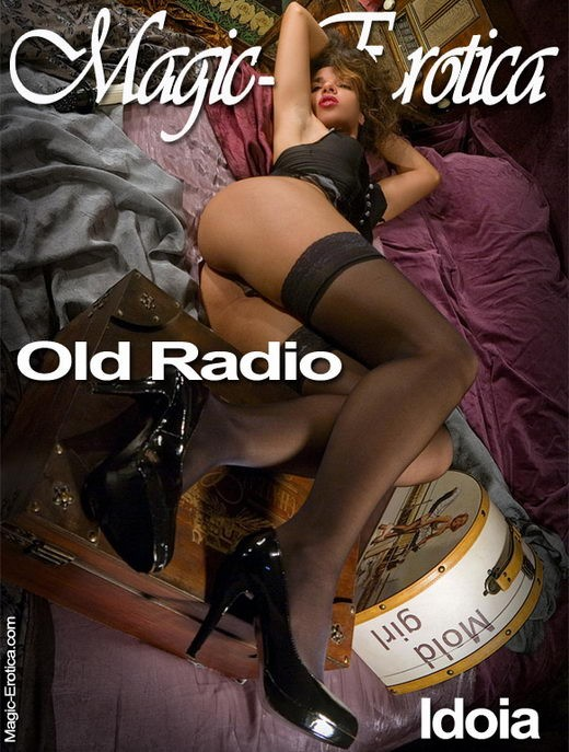 Idoia - `Old Radio` - by Luis Durante for MAGIC-EROTICA