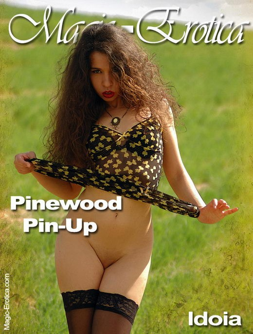 Idoia - `Pinewood Pin-up` - by Luis Durante for MAGIC-EROTICA