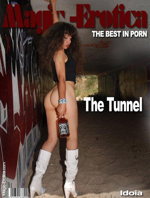Idoia - `The Tunnel` - by Luis Durante for MAGIC-EROTICA