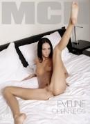 Eveline - Open Legs