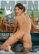 Suzie Carina - Jacuzzi