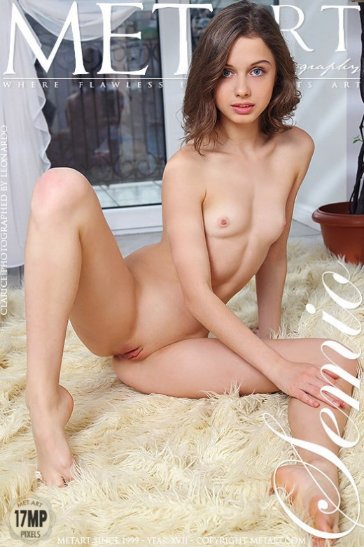 Clarice in Semio gallery from METART by Leonardo