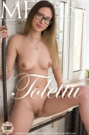 Hazel in Tolettu gallery from METART by Tora Ness