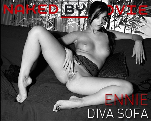 Ennie - `Diva Sofa` - for NAKEDBY VIDEO