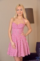Victoria P - Dreamy Blonde