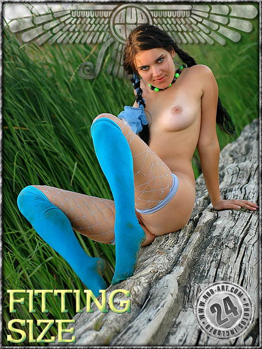 Jasmin - `Fitting Size` - by Sergio for NUD-ART