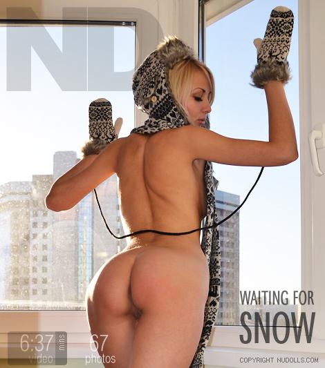Viktoriya - `Waiting for Snow` - for NUDOLLS