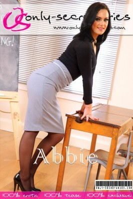 Abbie  from ONLYSECRETARIES COVERS