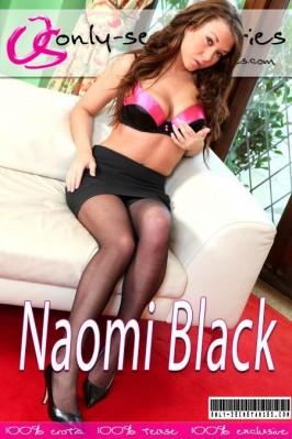 naomi-black-nude