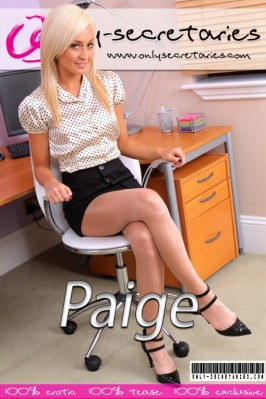 Paige D  from ONLYSECRETARIES COVERS