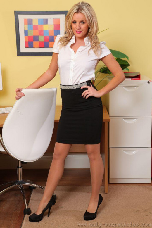 Amy Green gallery from ONLYSECRETARIES