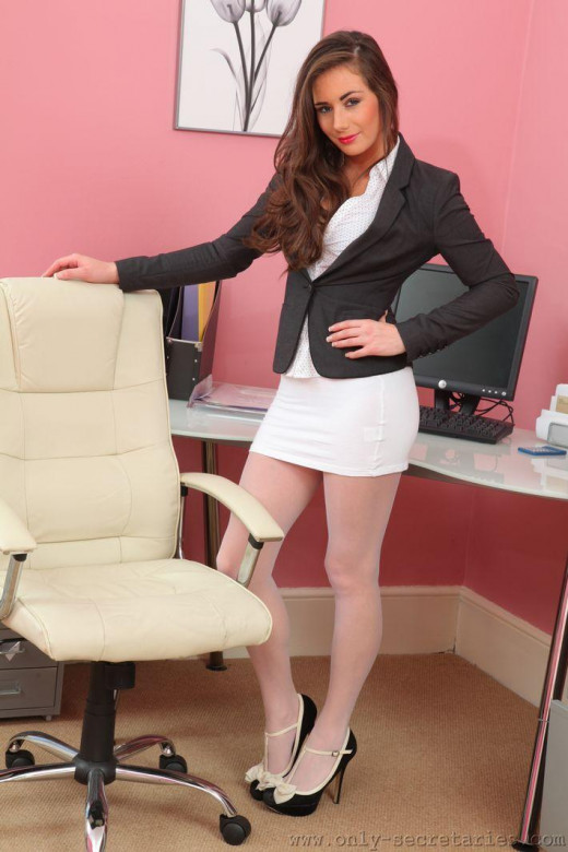 Laura H gallery from ONLYSECRETARIES