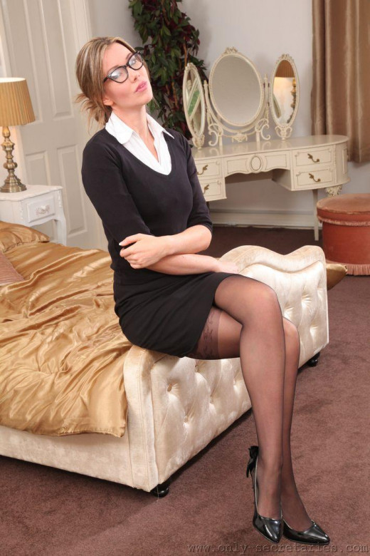 Nicky Phillips gallery from ONLYSECRETARIES