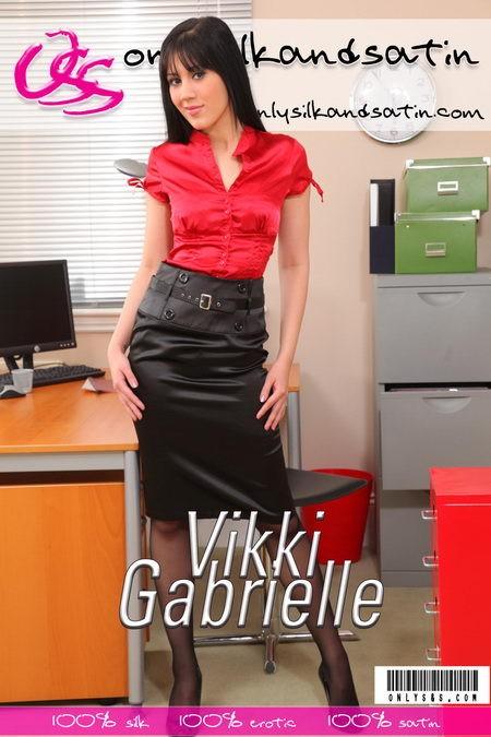 Vikki Gabrielle - for ONLYSILKANDSATIN COVERS