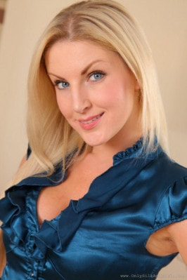 Reality pornstar Georgie Lyall has sex in kitchen with Jasmine Webb  104818