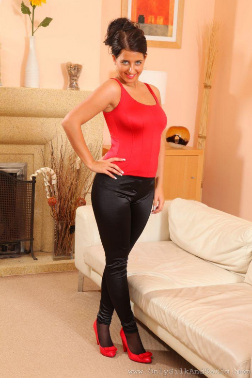 Coral May gallery from ONLYSILKANDSATIN