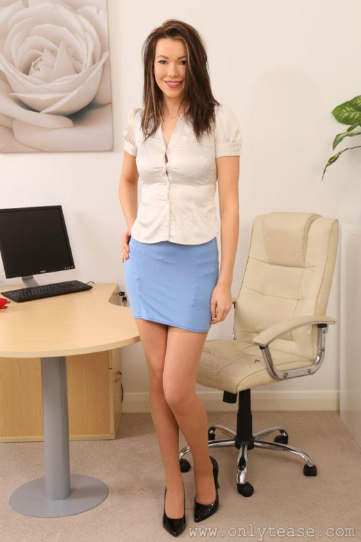 Nicky Phillips gallery from ONLYTEASE