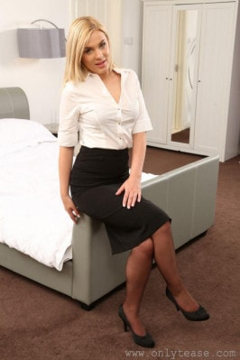 Asha Evans  from ONLYTEASE