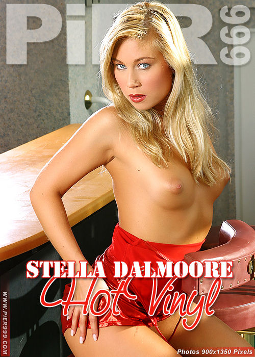 Stella Dalmoore - `Hot Vinyl` - for PIER999