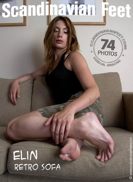 Elin - `Retro Sofa` - for SCANDINAVIANFEET