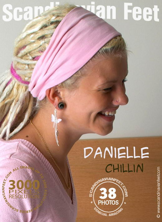 Danielle - `Chillin` - for SCANDINAVIANFEET