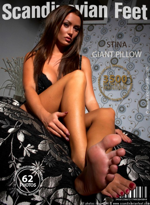 Stina - `Giant Pillow` - for SCANDINAVIANFEET