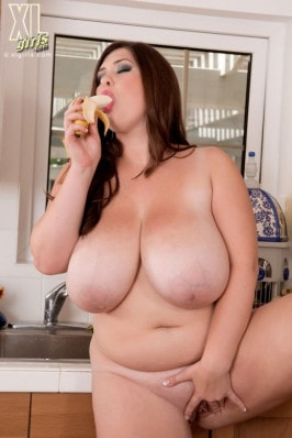 Pictures of fat nude women