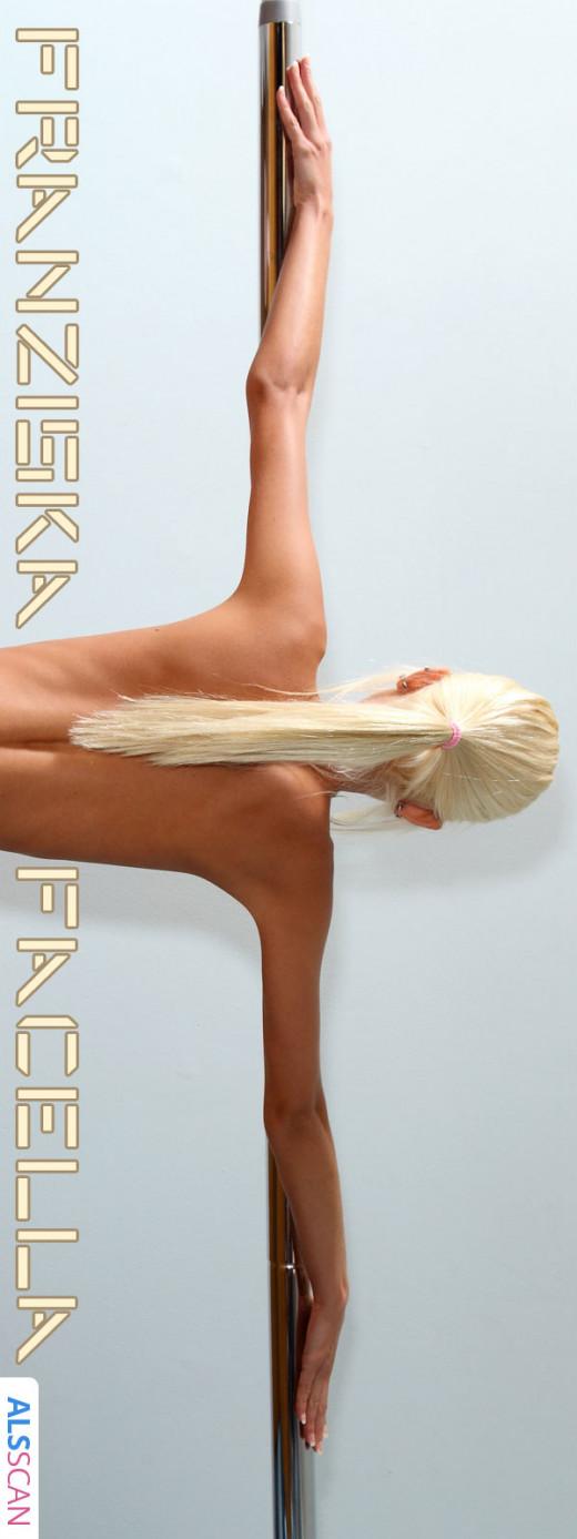 Franziska Facella - `Ballerina` - for SERAGLIO.THENUDE