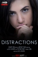 Luna - Distractions