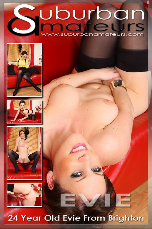 Evie Taylor - `Set 11` - by SimonD for SUBURBANAMATEURS