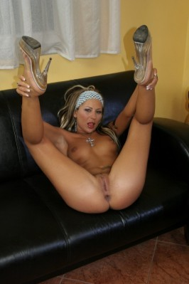 Self young blonde nudes