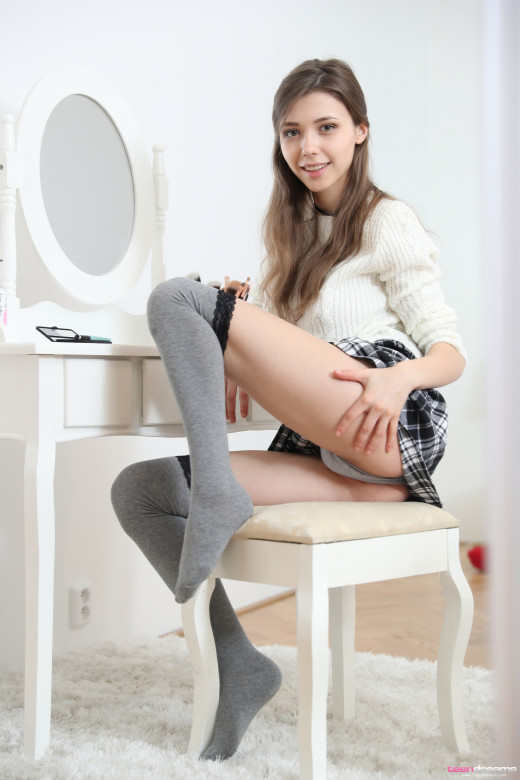 Mila Azul Ready For School And Getting Horny For Teendreams-1273