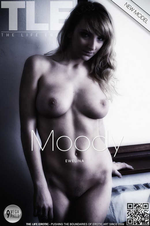 Ewelina - `Moody` - by Rafael Pastrini for THELIFEEROTIC