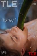 Raeah - Honey 1